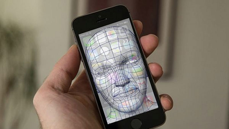 เผยทดสอบระบบสแกนใบหน้าปลดล็อค<br>เครื่องแทน Touch ID ใน iPhone 8